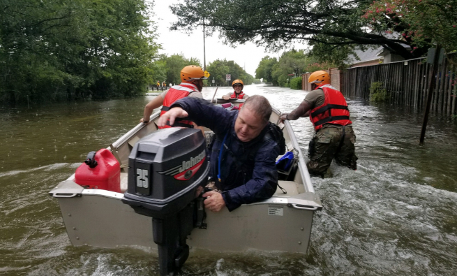 Boat rescue by the National Guard