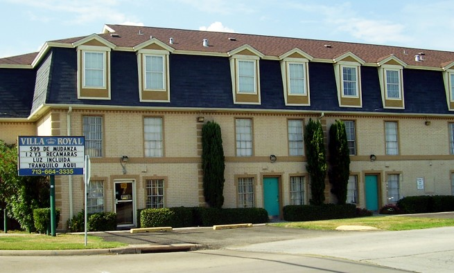 Villa Royal, an apartment complex - 5800 Dashwood Dr, Houston, TX