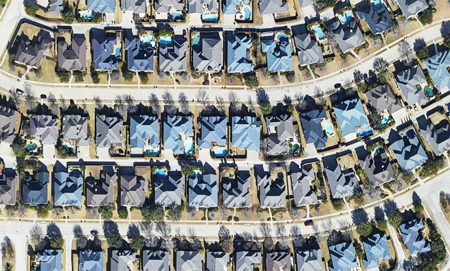 Buoyed by a suburban shift, the pandemic housing market continues to soar