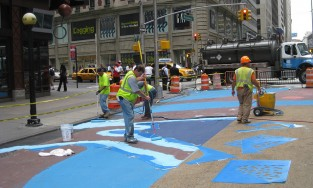 Painters paint the NYC Plaza
